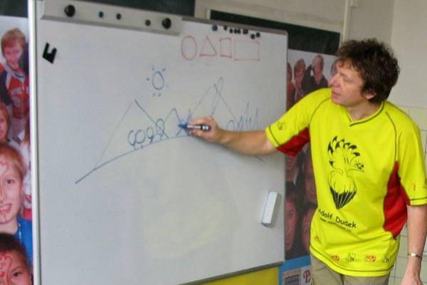 Beseda Nehulíme-kreslíme s Adolfem Dudkem