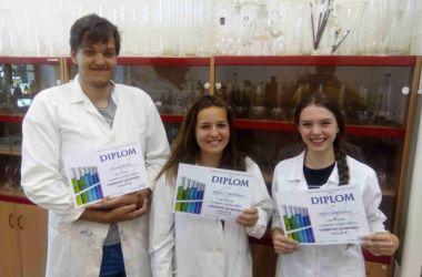 Úspěch studentů gymnázia v krajském kole chemické olympiády