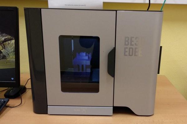 Nová studentská 3D tiskárna a počítačové sestavy